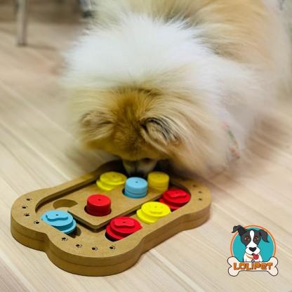 Jogo inteligente de madeira para cães